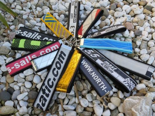 Schüsselanhänger Kite, Schlüsselanhänger aus Recyceltem, Geschenke für Kiter, Geschenke für Windsurfer,Schlüsselanhänger Kite, Schlüsselanhänger Windsurf, Windsurfsegel Recycling, Wind-Beutel